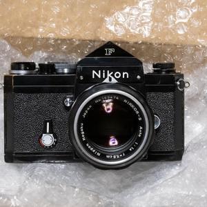 Nikkor-S Auto 5.8cm F1.4付きの黒いF アイレベルを購入