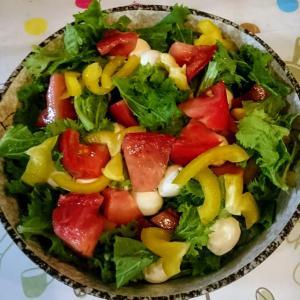 サラダ作りが楽しい