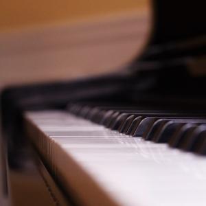 ピアノの調律師に音色の要求しますか?
