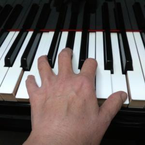 ピアノを弾くことは人と違う時間を過ごすこと