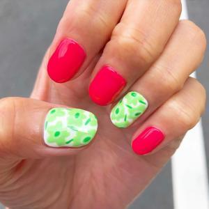 夏のさわやかグリーンマリメッコネイル