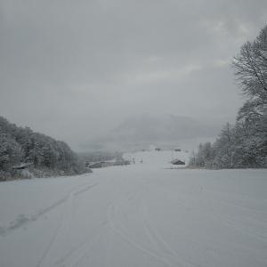 栂池最終日、やっと冬らしい景色に。