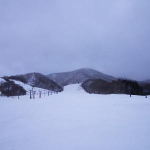 白馬乗鞍で二日間滑ってきました。宿で宿泊です。