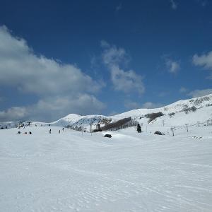 建国記念日の今日はハチ高原スキー場へ行ってきました。