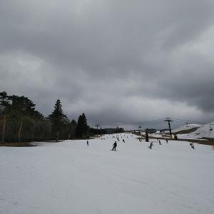 シャバ雪のタカススノーパークでスノスケしてきました。
