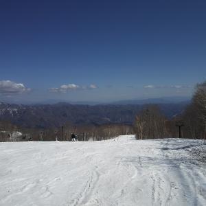 栂池高原スキー場にスノスケを滑りに来ました。