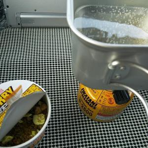 今回の車中泊の夕食と朝食。