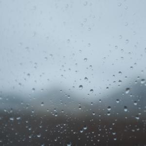 雨なんて聞いてないよ〜