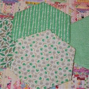 ヘキサゴンを縫い始めました