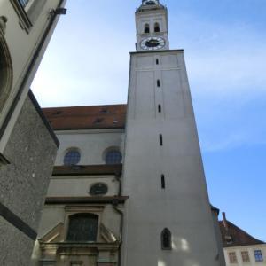 ペーター教会の塔の上のオリについて
