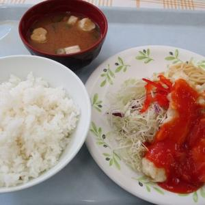 大阪市中央卸売市場 で600円の海老天チリソースを「市場厚生食堂 宝島」