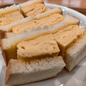 だし巻き卵のサンドウィッチ「大垣書店 &cafe 神戸ハーバーランドumie店」