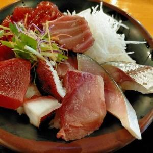 700円 充実の海鮮丼 「梅田芝田1丁目まぐろや」