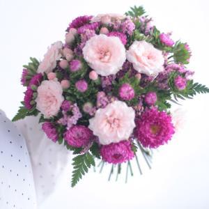 NFD2級「モダンー装飾的花束」レッスン風景♪