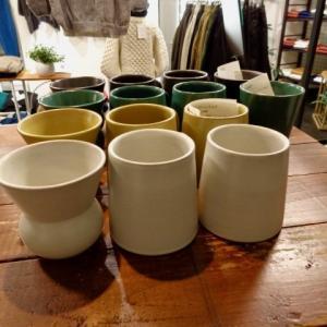 ストーンウェアのカップを期間限定販売しますよ。