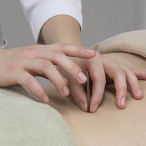瘢痕組織マッサージが最新の治療?それ 鍼灸治療の得意分野です
