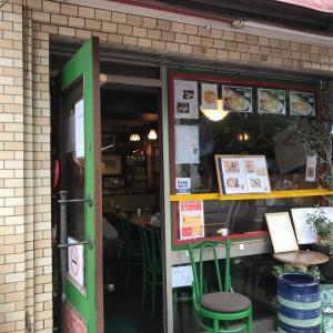 高輪名物焼きカレーの店「キャロル」