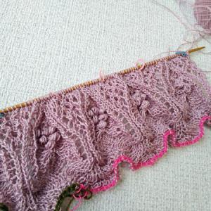 【華麗な模様のニット】各パーツ編み終わりました。
