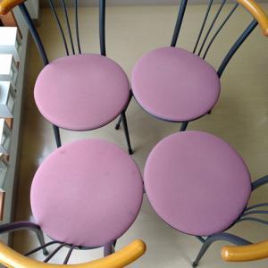 椅子の座面の布の張替をしてみました。既存の布をはがすのが大変!