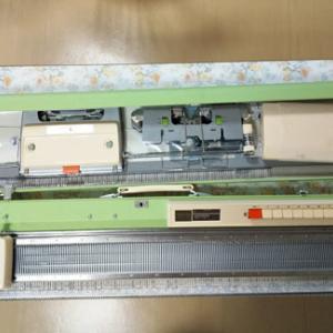 【機械編み】3.5ピッチの細編み機で初編み。