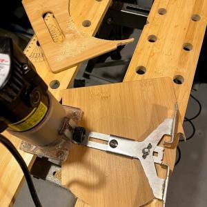 ストームクッカーのフタ問題 と、タラスブルバのアイアングリルテーブル。