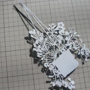 切り絵 花籠