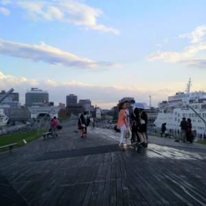 横浜港大さん橋とピースボートの思い出。