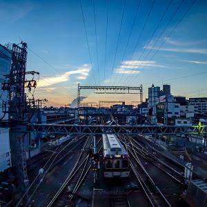 夕焼け空と近鉄電車