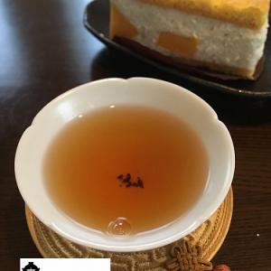 桃映紅茶とお手製ケーキ