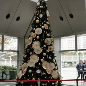 有明パークビルのクリスマスツリー