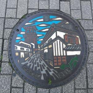 埼玉県川越市にはピカピカの新しいマンホールが設置されていました!
