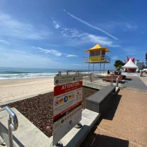 Surfers Paradiseでサーフィンデビュー!