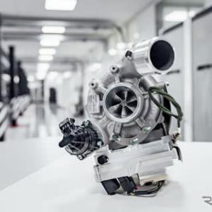 【メルセデス】次世代のAMGモデルにF1から生まれたテクノロジー電動ターボを搭載!