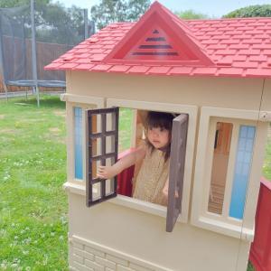 *お庭にプレイハウス*