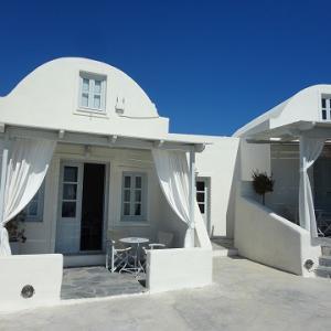 *サントリーニ島: 贅沢なホテル*