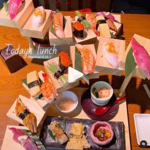 【英語3行日記】思わず写真を撮りたくなるお寿司ランチ