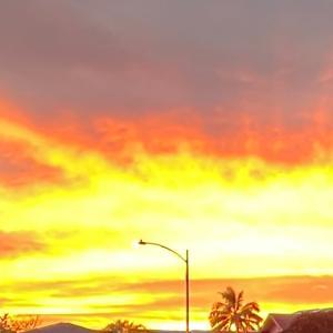今日は暑中見舞いの日、夕焼け空が情熱的だったハワイ