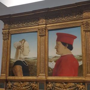 夏のウフィツィ美術館。