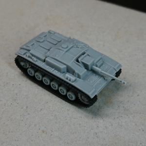 ドラゴン 1/144 Ⅲ号突撃砲F型 素組フィニッシュ