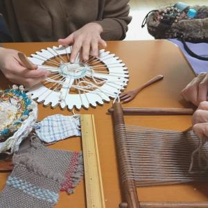 楽しく織りあがる円形、木枠織りレッスン