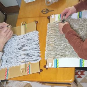 今シーズン最後のふわふわスヌード織りのレッスンでした