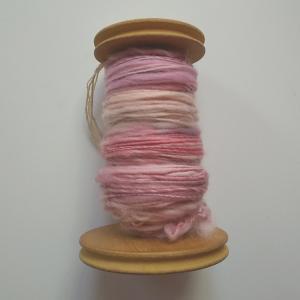 ふわふわの糸にするにはいっばい空気を含ませること