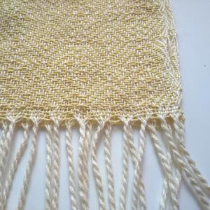気持ちが明るくミモザカラーのストール、織り上がりました♡