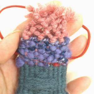 可愛い手織りのお守り袋が織り上がりました