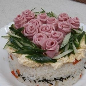 新たにお迎えした春の花々と今年は地味な雛祭り