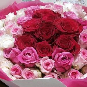 アブラムシ被害に遭う薔薇、遭わない薔薇&両手で抱えきれない薔薇の花束と旧友の友愛🎵