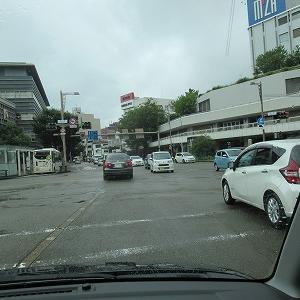 渋滞を避け、あえて街中を走る