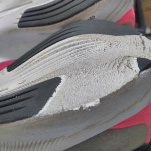 ナイキ(フライ3)の靴の修理が終わりました。