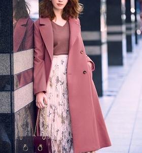 小嶋陽菜さん風♪大人フェミニンなピンクコート+花柄ロングスカートコーデ例♪