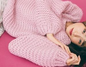 髙橋ひかるさん、リアル私服をご紹介!ここぞのときの勝負ニット♪ピンクのゆるニットが可愛すぎる♡